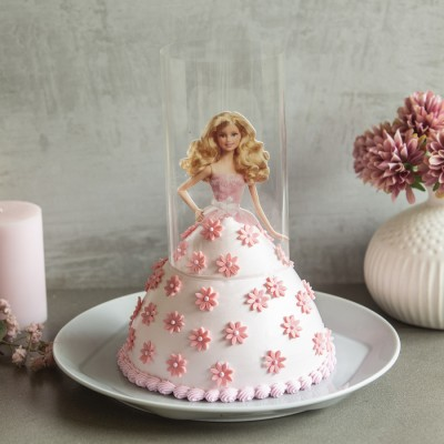 Barbie in Pink Pull -Me-Up Cake 750gms