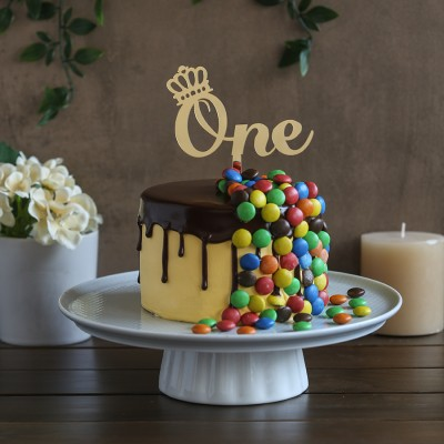 M&M's overloaded chocolate cake 750gms	 with ONE topper