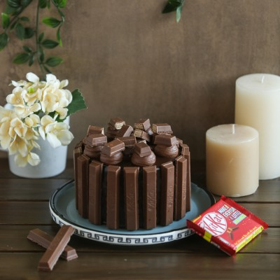 Chocolate Kit kat overloaded cake -750gms