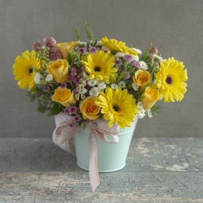Fresh Vibes (arrangement of Yellow Gerberas, Roses, daisies in a vase)