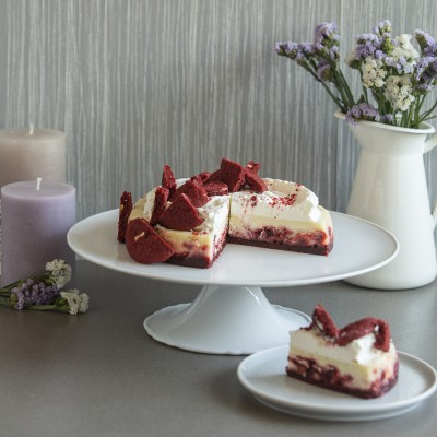 Overloaded Red Velvet Cheese Cake 875gms