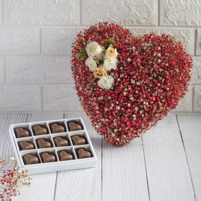 Red Heart Shape Arrange With Box of 12 Chocolate Pralines