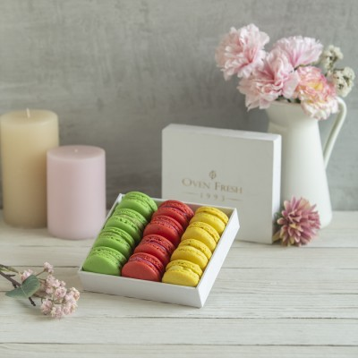 Box of 12 Macaron (Contains egg)