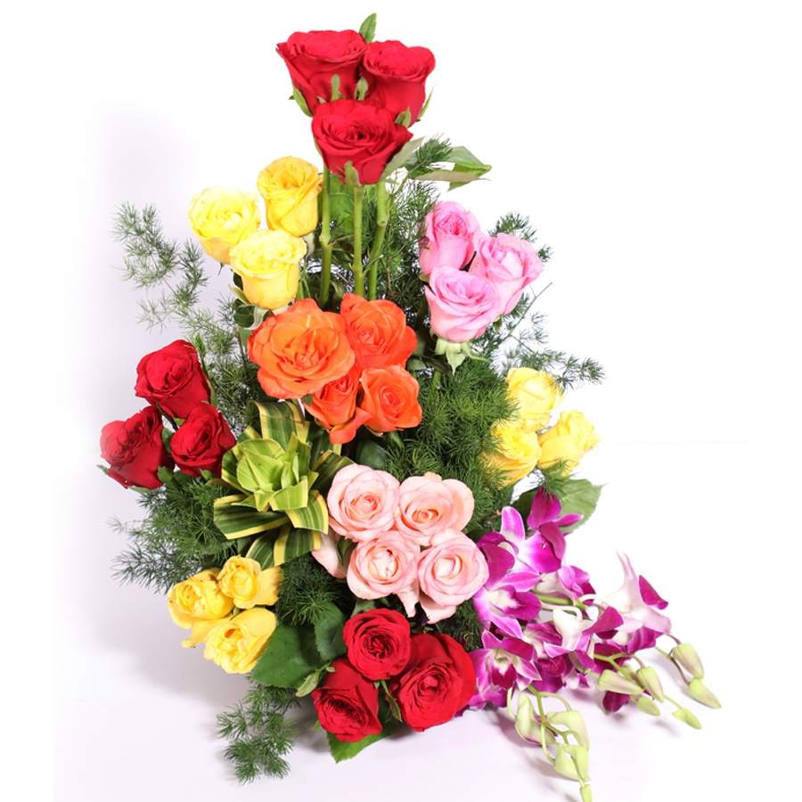 Basket of 30 assorted roses