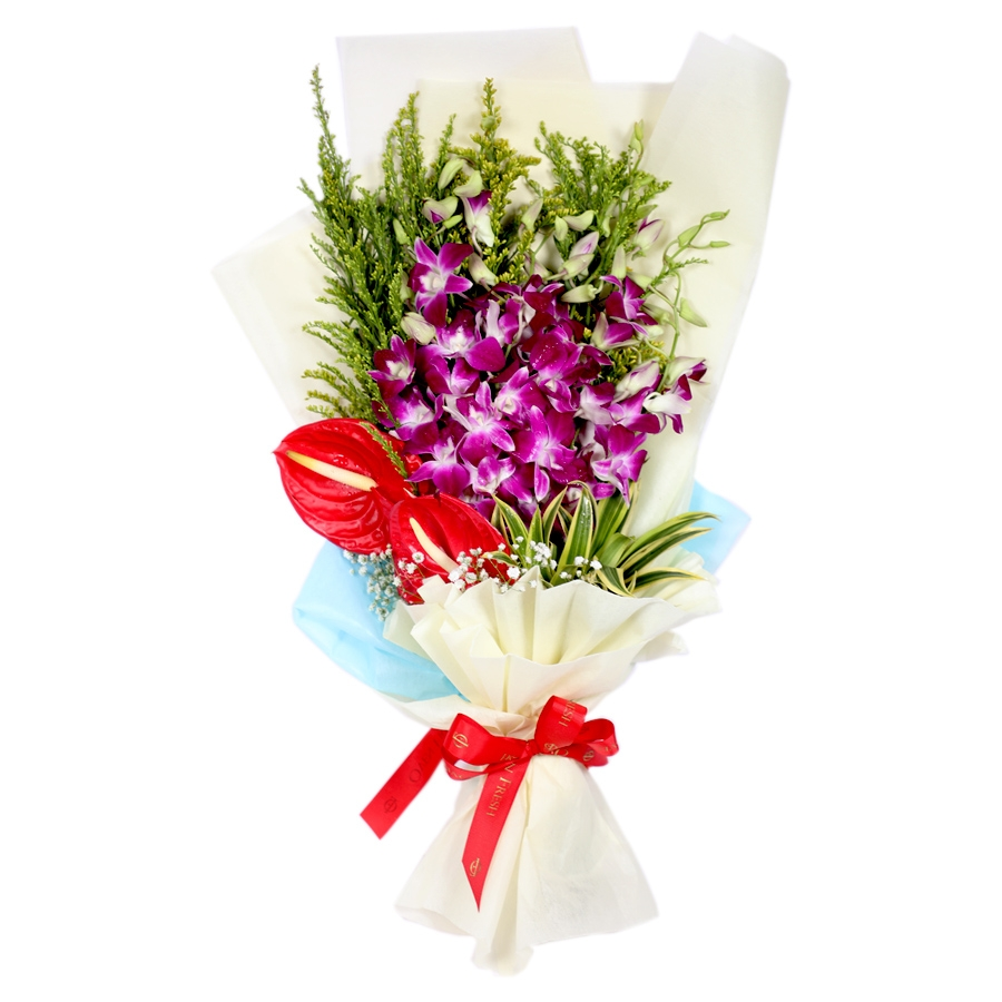 Bouquet of purple orchid and anthurium