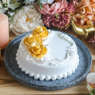 Floral Gold & white cake 500gms