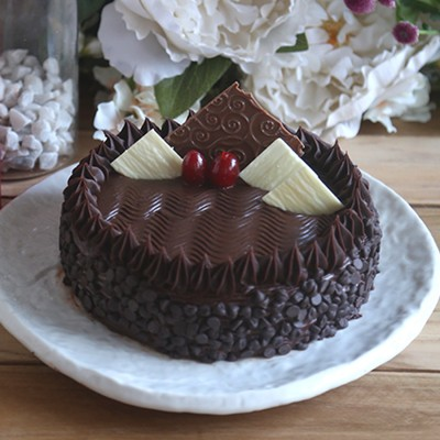 Chocolate Chip dutch truffle cake (Eggless)
