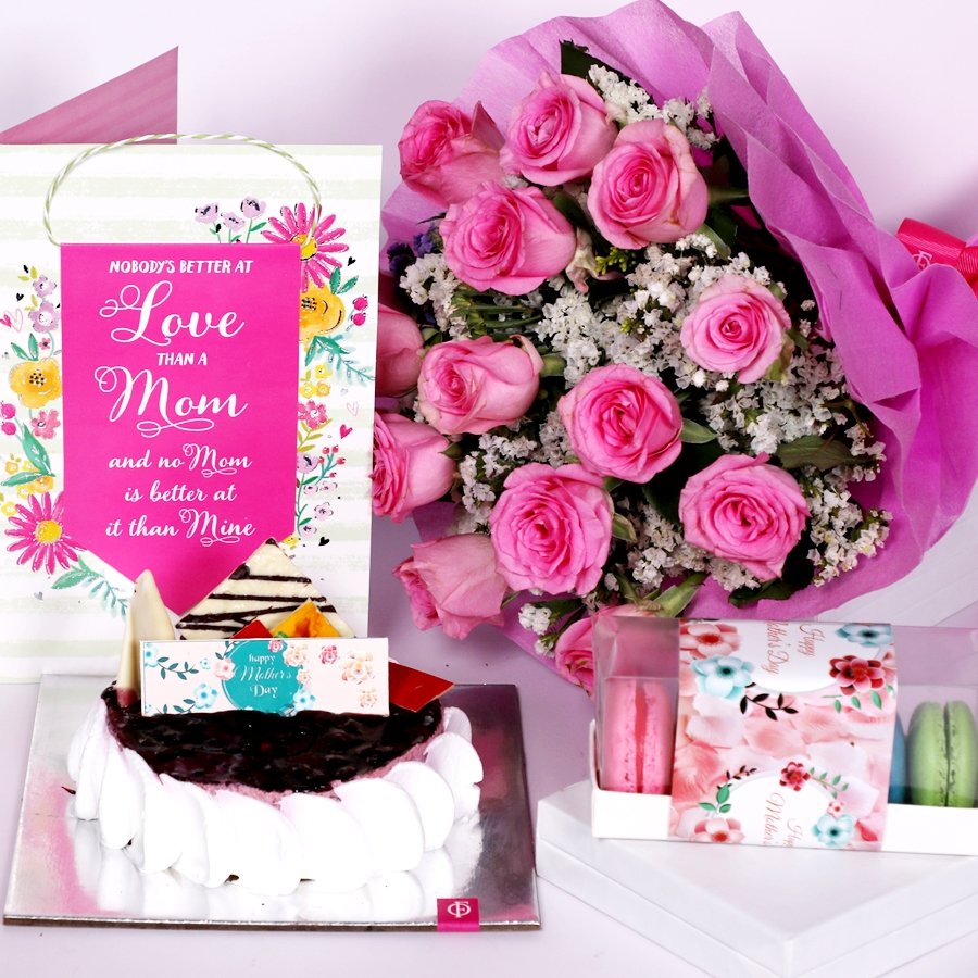 Mothers day Blueberry cheese cake 500gms eggless with Card and boquet of 15 pink roses & box of 5 macaroons