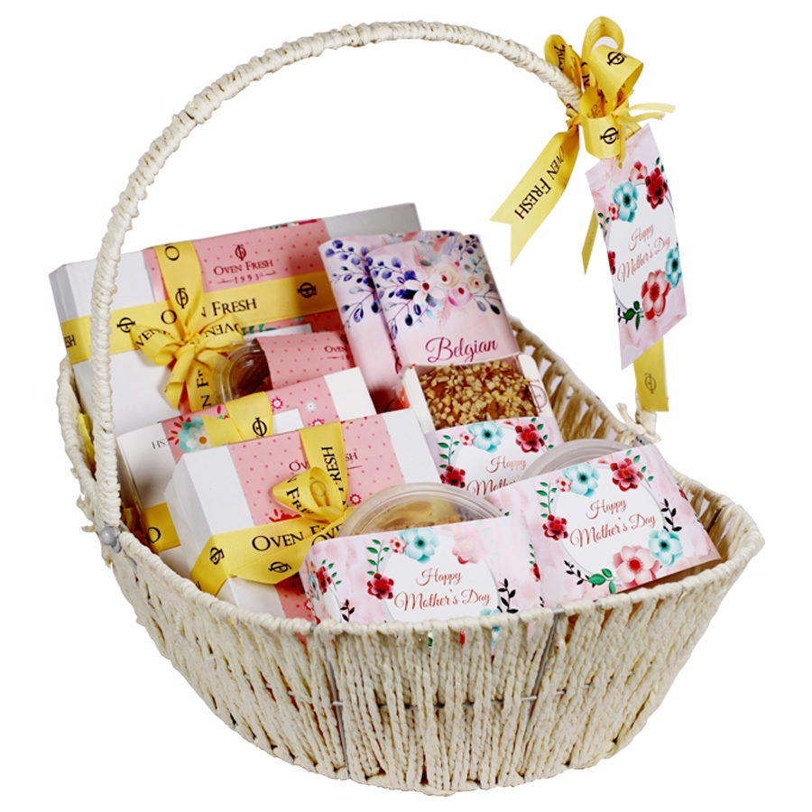 Mothers day Gift Basket eggless