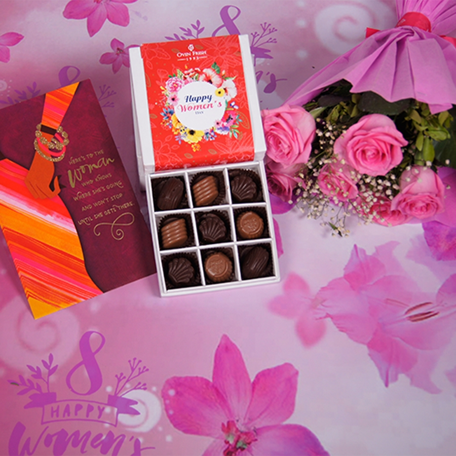 Womens Day box of 9 chocolate pralines with card,bouquet of 6 pink roese