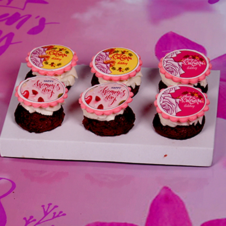 Women's day special  red velvet cup cakes 6pcs